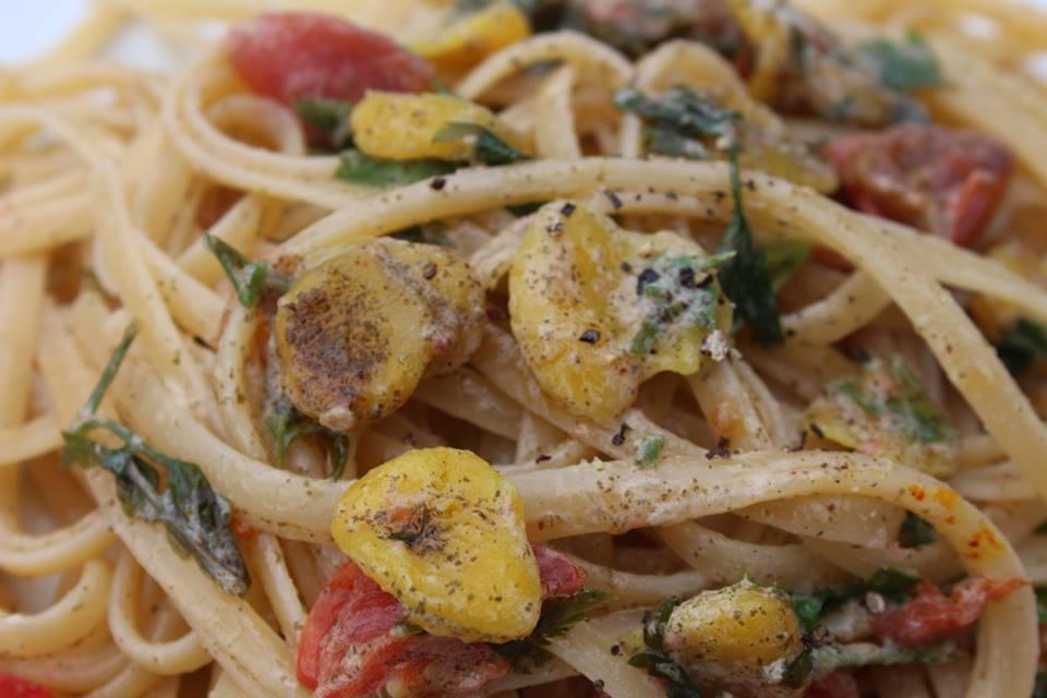 vegan clams pasta sauce with linguine